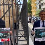 """#RipartiamoPlasticFree Alfonso Pecoraro Scanio e Jimmy Ghione rilanciano petizione: """"42.000 cittadini chiedono freno a usa e getta. Salvare i nostri mari e territori da monouso""""."""